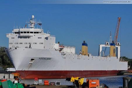 Frachtschiff Vegaland am Nordwestkai in Wilhelmshaven