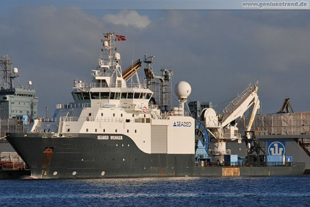 Multi Purpose Offshore Vessel Seabed Worker am Hannoverkai