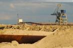 Die JadeWeserPort-Baustelle am Abend