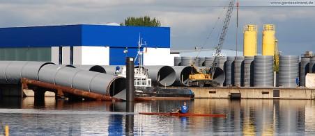 GDF Suez Kühlwasserleitung: Die in die Brüche gegangene Kühlwasserleitung auf der Ablaufbahn