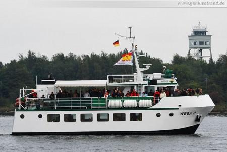 Fahrgastschiff Wega II im Nordhafen von Wilhelmshaven