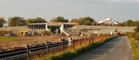 Gleisanbindung JadeWeserPort: Das Deichschart in Höhe der Deichschäferei im Voslapper Groden Süd