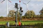Awanst Wilhelmshaven Nord: Montage der Eisenbahnsignale per Hubschrauber