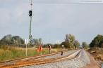 Kreuzungsbahnhof Accum: Montage der Eisenbahnsignale per Hubschrauber