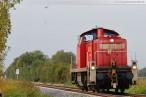 Industriestammgleis Nord: Montage der Eisenbahnsignale per Hubschrauber