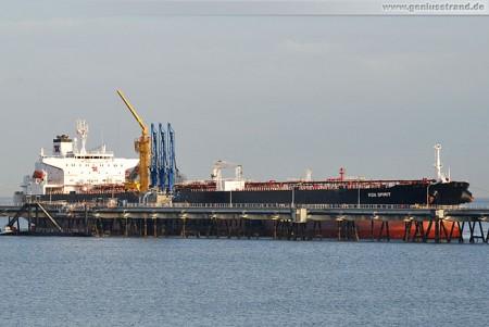 Tanker Koa Spirit an der NWO-Löschbrücke