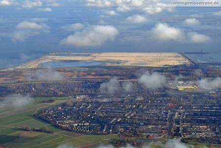 Luftaufnahme JadeWeserPort Baustelle, Fedderwardergroden und Voslapp
