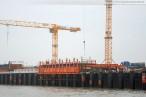 Die JadeWeserPort Baustelle von Seeseite
