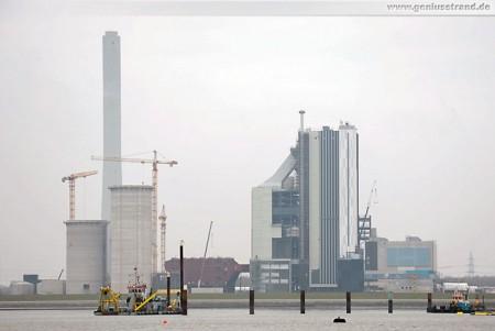 Rüstersieler Groden: Der GDF Suez Kraftwerksneubau von Seeseite
