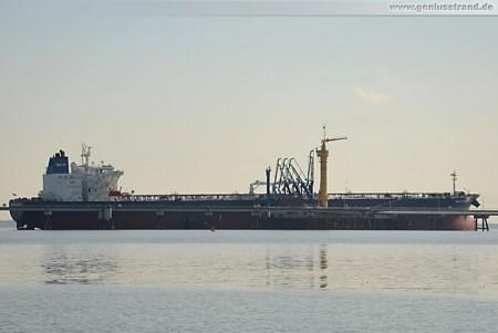 Tanker Moskovsky Prospect löscht über 100.000 t Rohöl