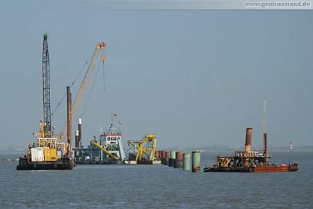 Kraftwerksneubau GDF Suez: Saugbagger M 30 bereitet den Meeresboden vor