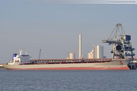Frachtschiff Ostsee Merchant löscht 53.000 t Kohle