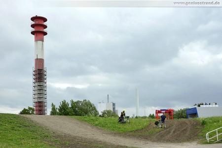 Leuchtturm Oberfeuer Voslapp schon zur Hälfte eingerüstet