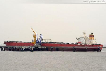 Tanker Cape Ancona an der NWO-Löschbrücke, löscht 65.000 t Rohöl
