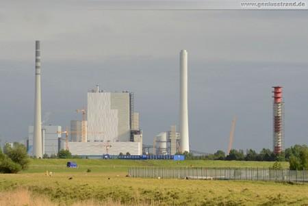 Der GDF Suez Kraftwerksneubau aus der Ferne gesehen