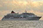 Wilhelmshaven: Das Luxus-Kreuzfahrtschiff MS Europa auf der Jade