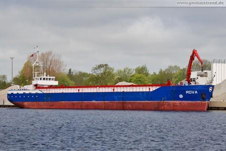 Frachtschiff Rova im Ausrüstungshafen Nord (Rova-Mix)