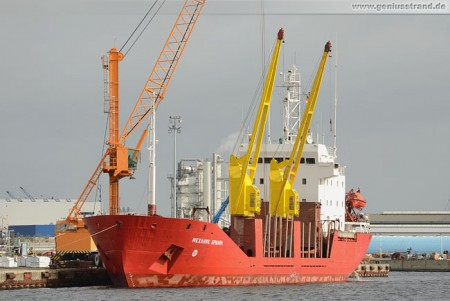 Frachtschiff Mekhanik Brilin am Südwestkai in Wilhelmshaven