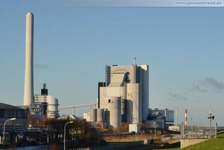 Das GDF Suez Kraftwerksgebäude aus Süden fotografiert