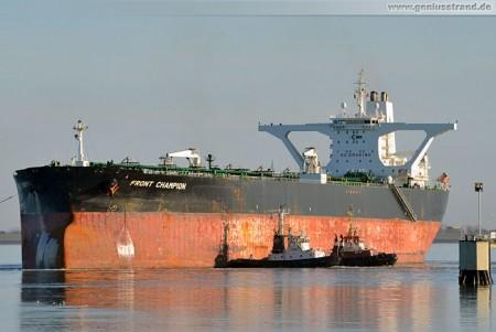 Supertanker Front Champion löschte 128.000 t Rohöl an der NWO-Löschbrücke
