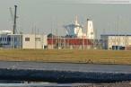 Supertanker Front Champion an der JadeWeserPort Baustelle