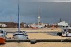 Wilhelmshaven: Blick über den Großen Hafen auf das Feuerschiff