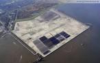 Am JadeWeserPort entsteht der Schlepperhafen (rechts oben)