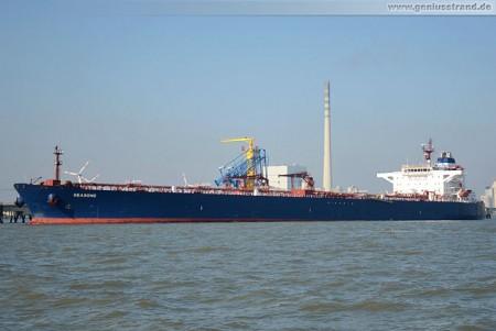 Tanker Seasong löscht 100.000 t Rohöl an der NWO-Löschbrücke
