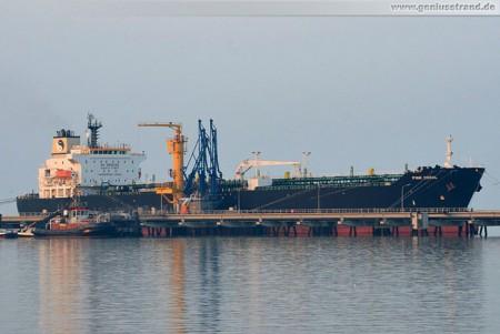 Tanker Pink Coral löscht 33.441 t Rohöl in Wilhelmshaven