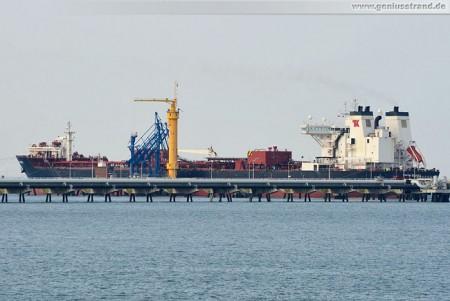 Der Tanker Navion Scandia am NWO-Anleger Nummer 4