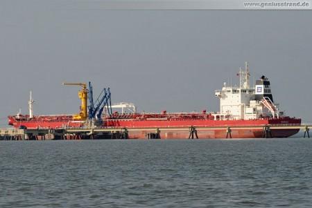 Tanker Marilee an der NWO-Löschbrücke