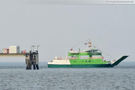 Fährschiff Spiekeroog IV auf der Jade