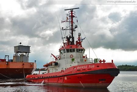 Wilhelmshaven: Schlepper Bamse Tug aus Dänemark im Nordhafen