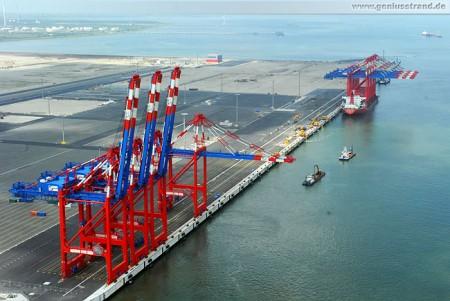 Luftaufnahme vom Eurogate Container Terminal Wilhelmshaven 2012