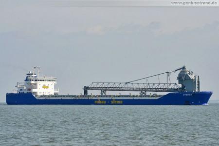 Frachtschiff Stones löscht 26.500 t Steine in Wilhelmshaven