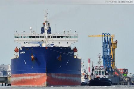 Wilhelmshaven: Tanker SCF Neva legt von der NWO-Löschbrücke ab