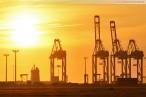 Wilhelmshaven: Sonnenaufgang am JadeWeserPort/Container Terminal