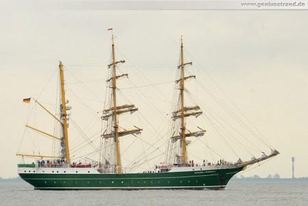 Wilhelmshaven: Die Dreimastbark Alexander von Humboldt II auf der Jade
