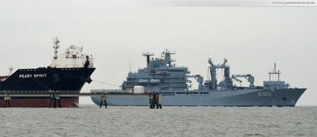 Der Einsatzgruppenversorger (EGV) Frankfurt am Main (A 1412) erreicht seinen neuen Heimathafen Wilhelmshaven