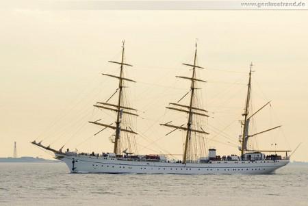 Wilhelmshaven: Segelschulschiff Gorch Fock auf kurzer Probefahrt auf der Jade