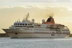Wilhelmshaven: Luxus-Expeditionsschiff MS Hanseatic zu Besuch am Bontekai