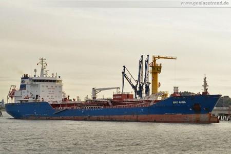 Wilhelmshaven: Der Tanker Bro Anna an der NWO-Löschbrücke