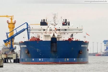 Tanker Navion Britannia löscht 110.707 t Erdöl am Löschkopf Nr. 2