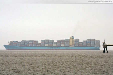 Containerschiff Susan Maersk kommend vom Containerterminal JadeWeserPort