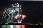 Wilhelmshaven: Abschlussfeuerwerk zum JadeWeserPort-Cup im Großen Hafen