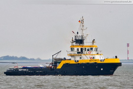 Wilhelmshaven: Schlepper Neptun 11 auf der Jade
