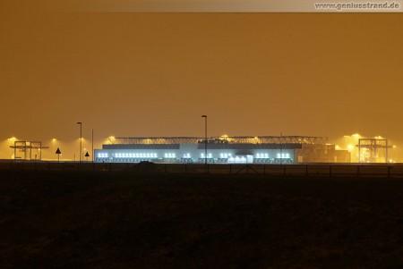 Nachtaufnahme vom JadeWeserPort Container Terminal Wilhelmshaven (CTW)