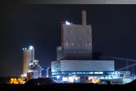 Wilhelmshaven: Nachtaufnahme an der Kraftwerksbaustelle GDF Suez