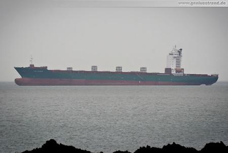 Containerschiff Lisa Schulte nach dem Unfall auf Reede in Wilhelmshaven
