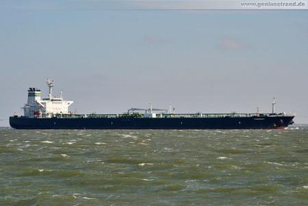 Wilhelmshaven Schiffsbilder: Tanker Thornbury löscht 39.000 t Öl an der NWO